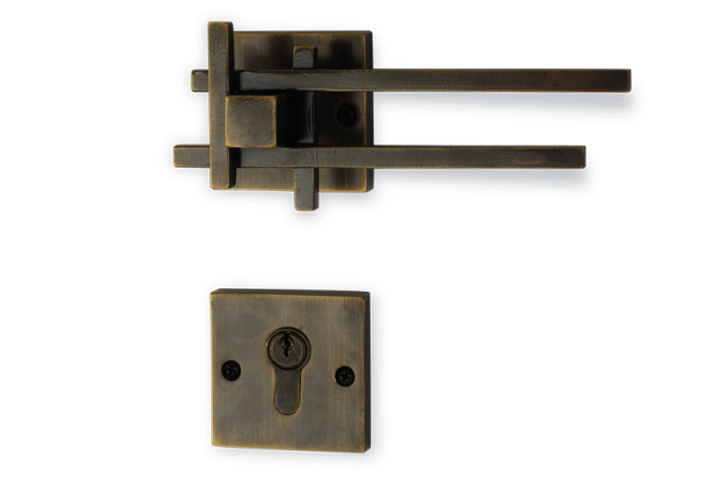 ACCESS_Hash_Mortise Handle_Ant. Brass